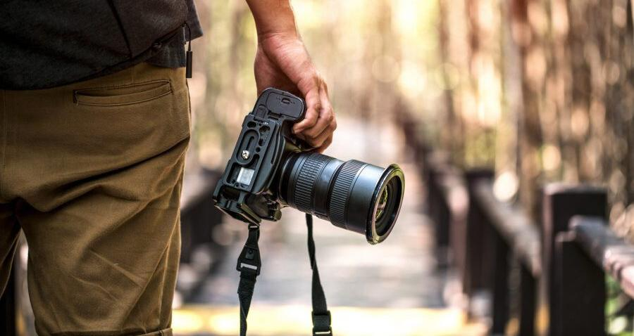 4 Things to Consider While Hiring the Best Candid Photographer for You